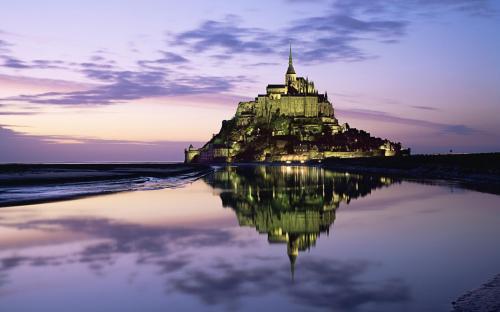 Mont-Saint-Michel--1050x1680